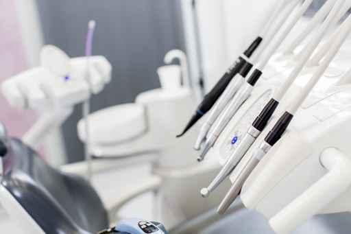 Danger de l'audition pour les dentistes
