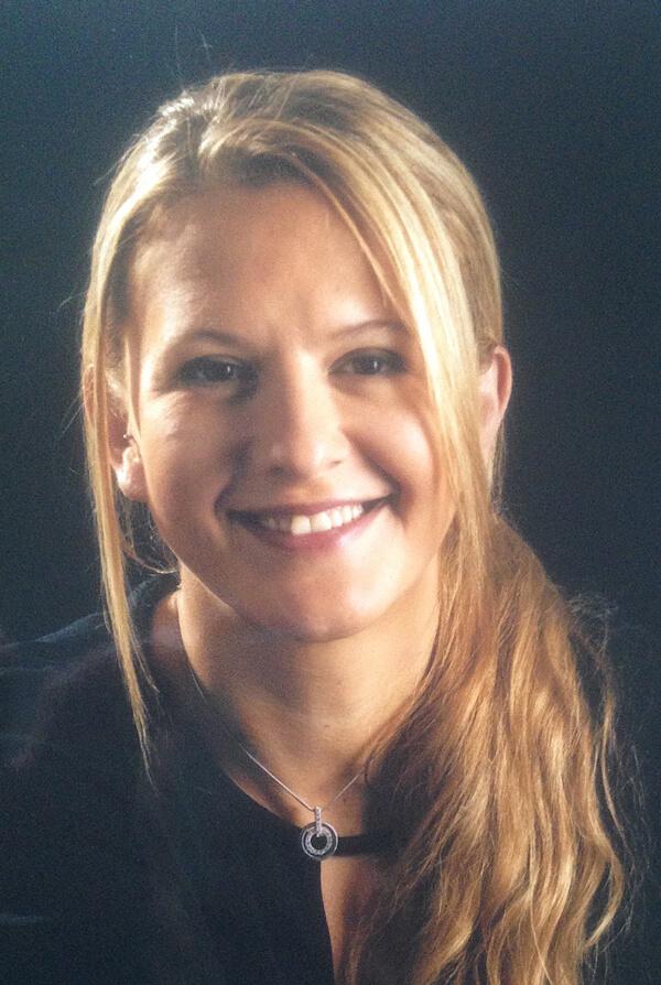 Mme Laura Rofidal