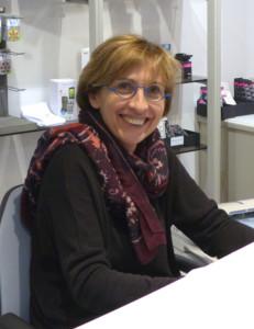 Mme Sandrine Esturonne
