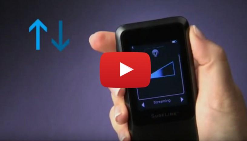 Vidéo mettant en avant l'ajustement du volume des aides auditives avec le surflink mobile de Starkey