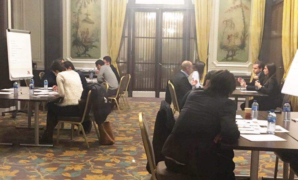 Lyric Day Paris Table ronde