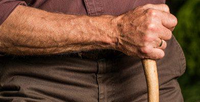 L'espérance de vie en bonne santé après 65 ans augmente chez l'homme et la femme