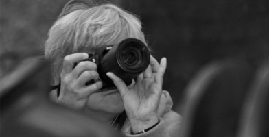 L'initiative de la ville de Bordeaux pour rendre ses seniors reporter
