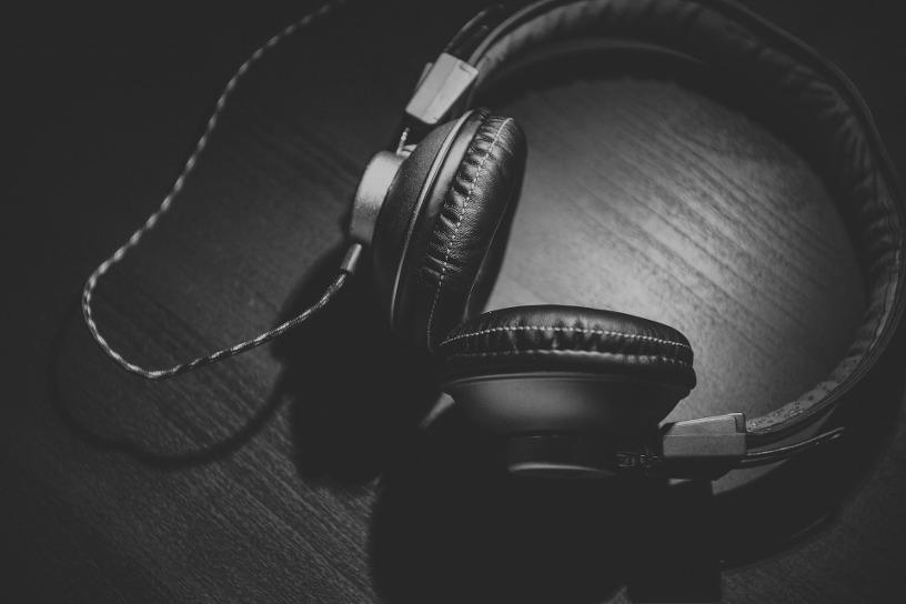 L'écoute prolongée et trop forte peut-être très néfaste pour l'audition à tout âge