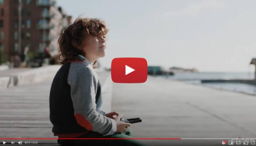 """Vidéo """"Oticon Brand Movie #2 - Technologie BrainHearing™"""" de la marque OTICON"""