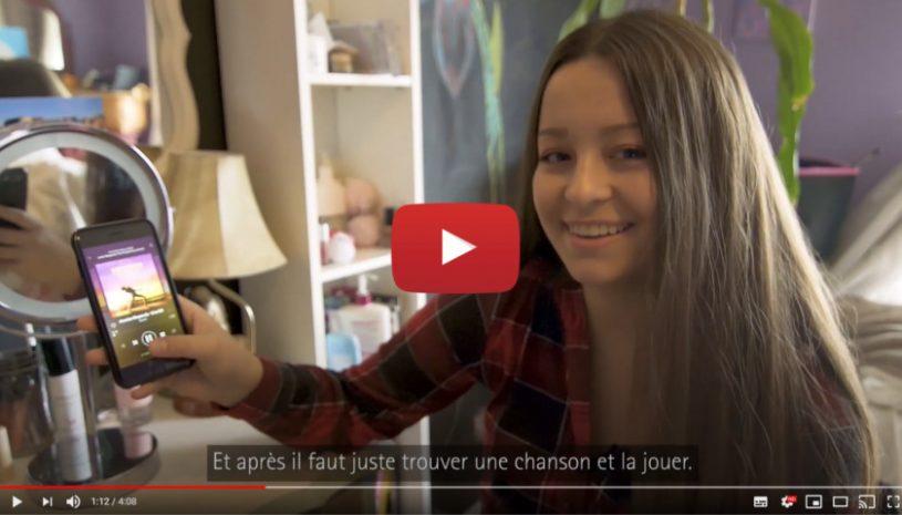 """Vidéo """" Nathalie est adolescente et atteinte de perte auditive"""" de la marque PHONAK"""