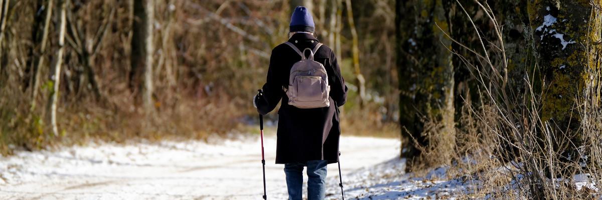 Hyperacousie femme seule marche