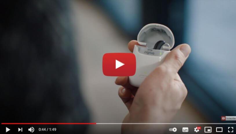 "Vidéo ""Témoignage de Yann-Alrick Mortreuil - Styletto   Signia, aides auditives"" de la marque SIGNIA"